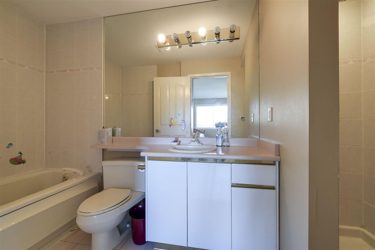 Condo Apartment at 304 1428 56 STREET, Unit 304, Tsawwassen, British Columbia. Image 10