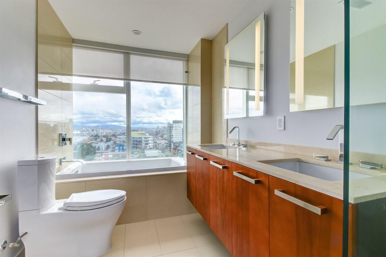 Condo Apartment at 1702 1565 W 6TH AVENUE, Unit 1702, Vancouver West, British Columbia. Image 5