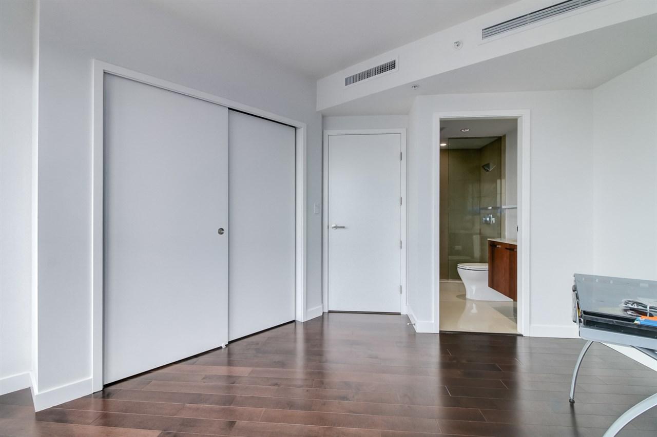 Condo Apartment at 1702 1565 W 6TH AVENUE, Unit 1702, Vancouver West, British Columbia. Image 6