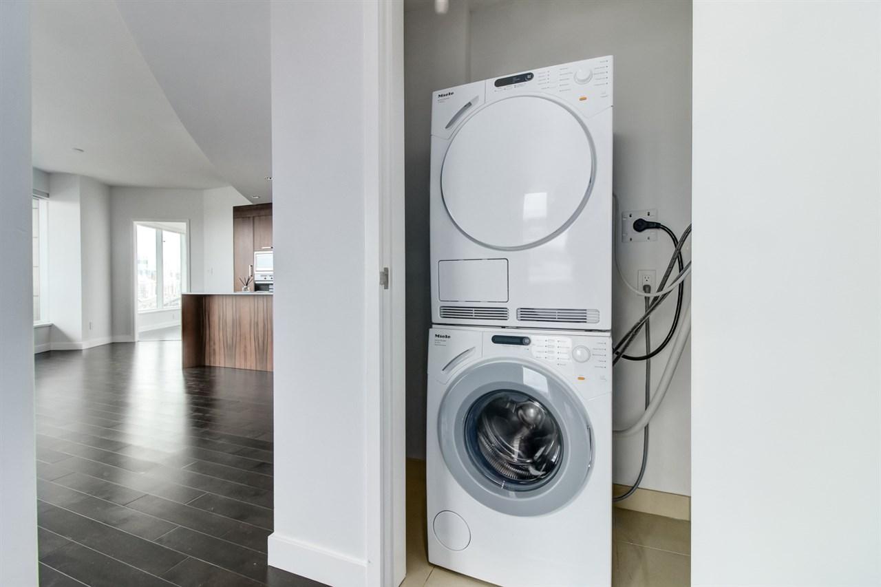 Condo Apartment at 1702 1565 W 6TH AVENUE, Unit 1702, Vancouver West, British Columbia. Image 8