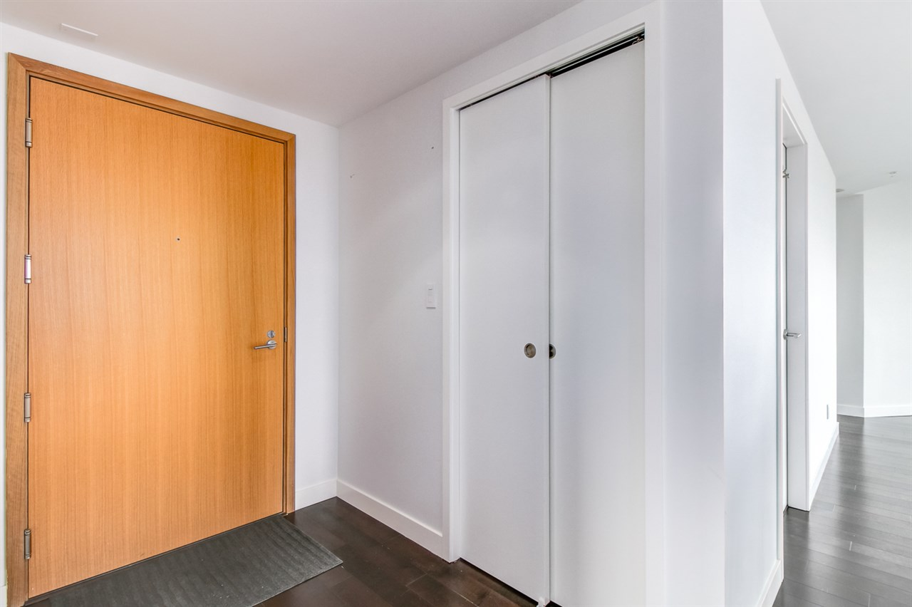 Condo Apartment at 1702 1565 W 6TH AVENUE, Unit 1702, Vancouver West, British Columbia. Image 11