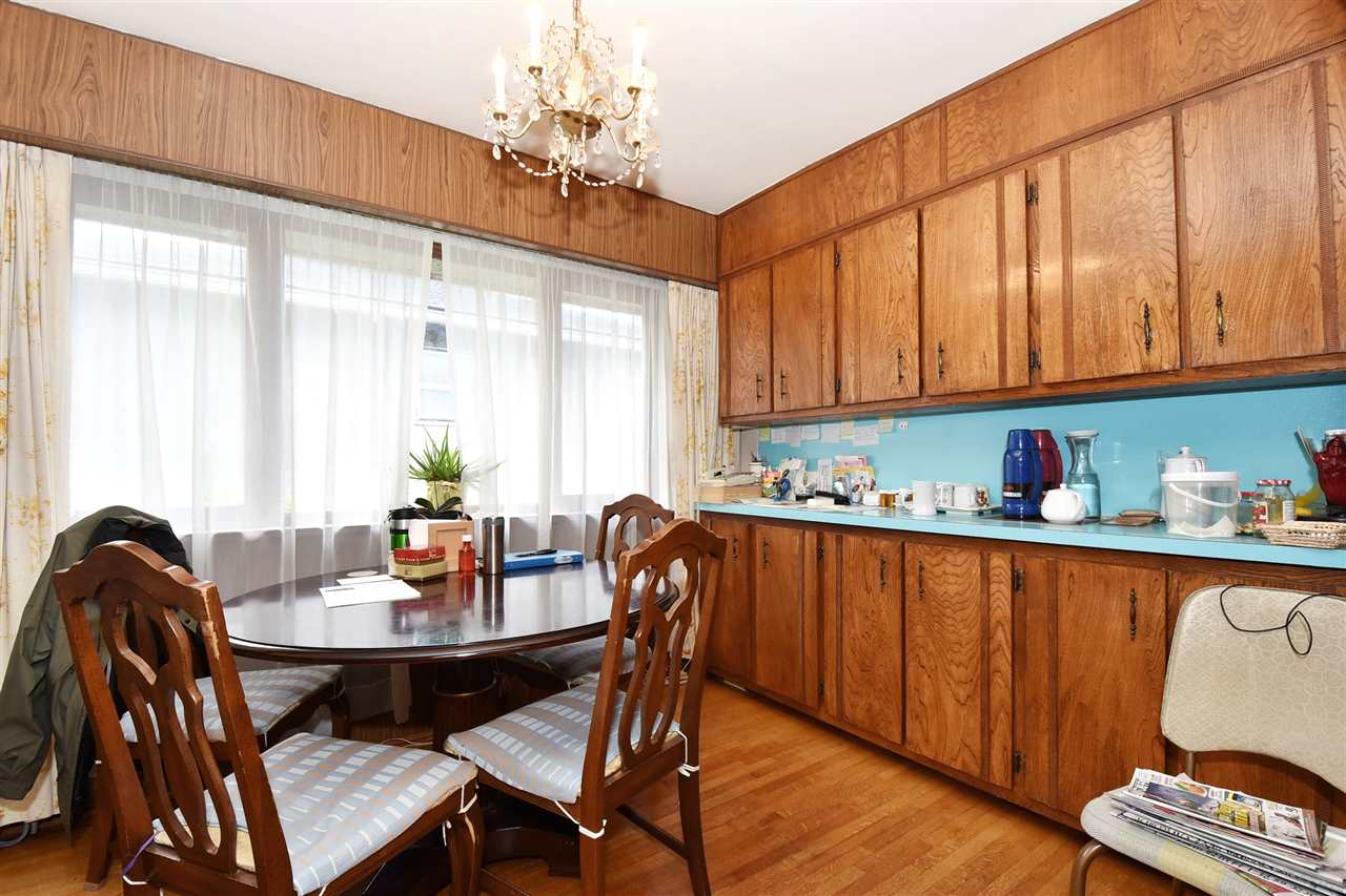 Detached at 4135 ATLIN STREET, Vancouver East, British Columbia. Image 3