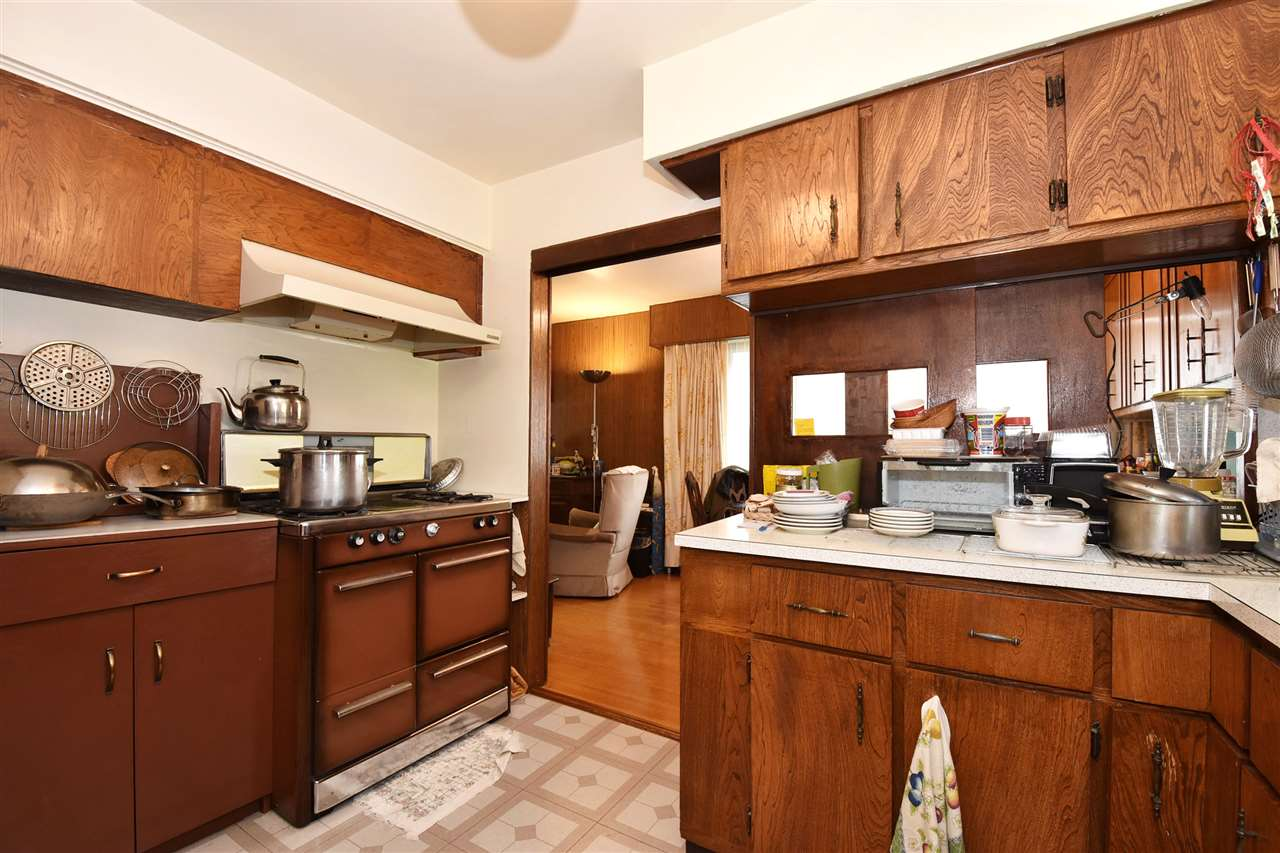 Detached at 4135 ATLIN STREET, Vancouver East, British Columbia. Image 4