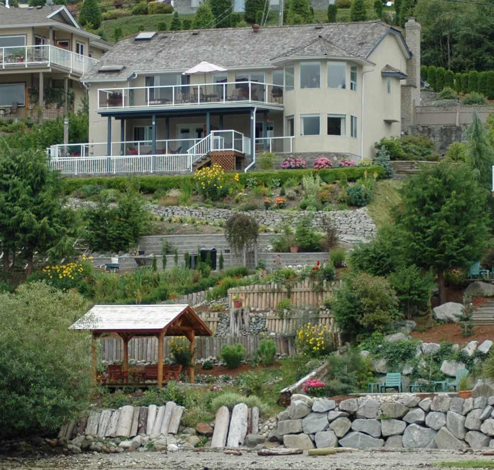 Detached at 6394 N GALE AVENUE, Sunshine Coast, British Columbia. Image 12