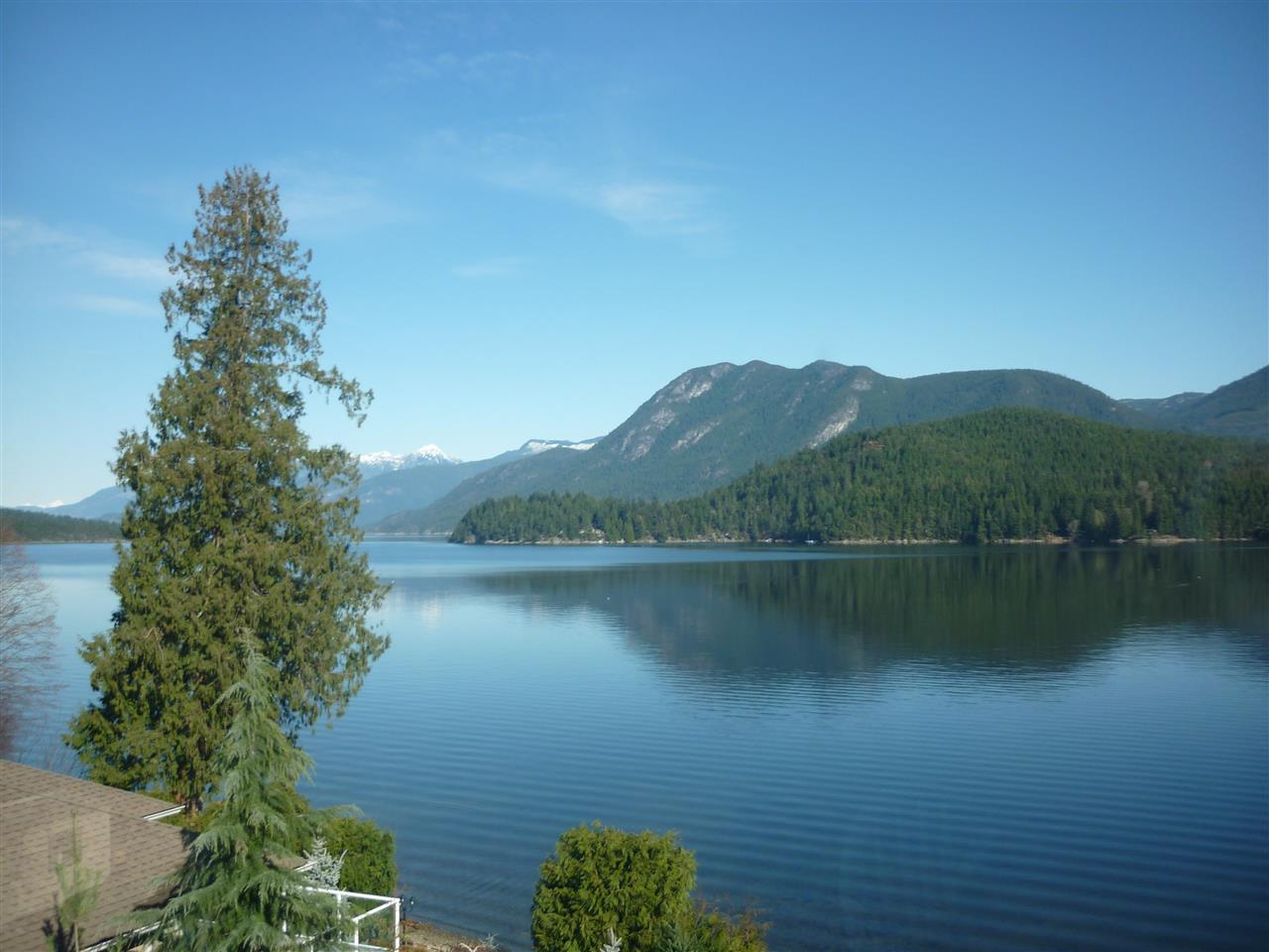 Detached at 6394 N GALE AVENUE, Sunshine Coast, British Columbia. Image 19