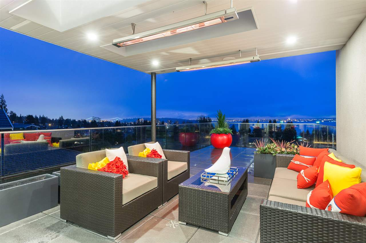 Detached at 2496 OTTAWA AVENUE, West Vancouver, British Columbia. Image 12
