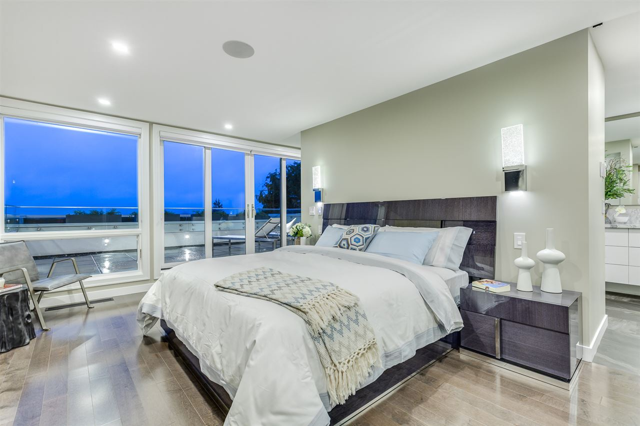 Detached at 2496 OTTAWA AVENUE, West Vancouver, British Columbia. Image 14
