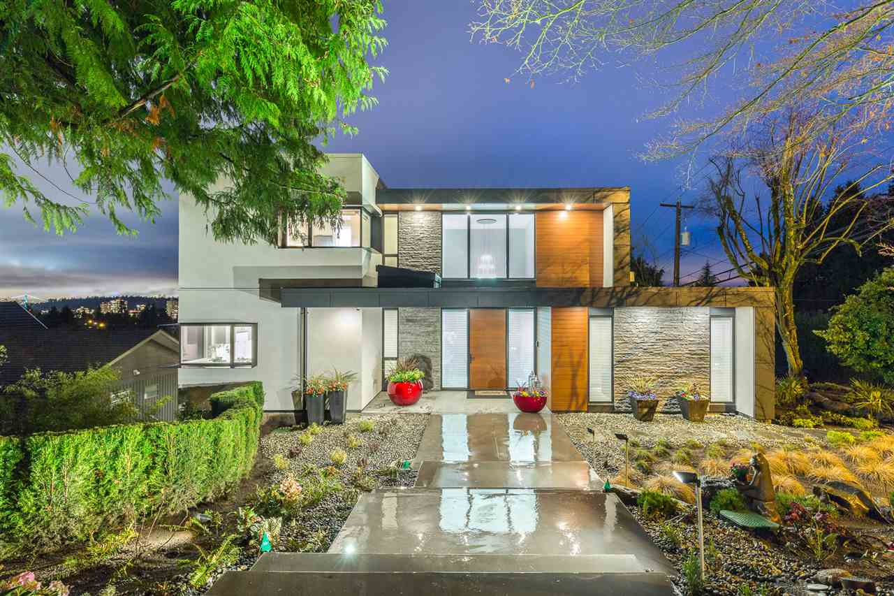 Detached at 2496 OTTAWA AVENUE, West Vancouver, British Columbia. Image 20