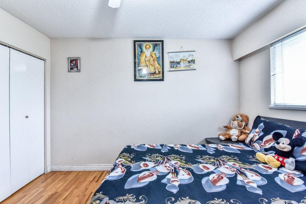 Half-duplex at 11491 87 AVENUE, N. Delta, British Columbia. Image 13