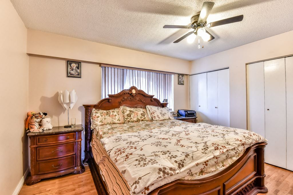 Half-duplex at 11491 87 AVENUE, N. Delta, British Columbia. Image 14