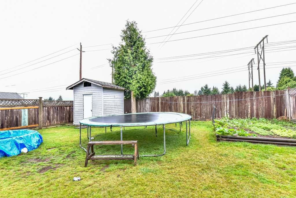 Half-duplex at 11491 87 AVENUE, N. Delta, British Columbia. Image 20