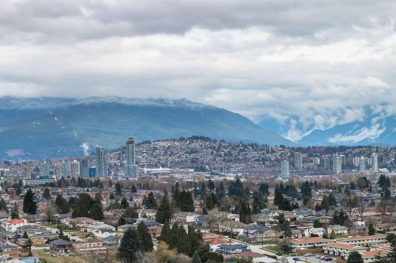 Condo Apartment at 3102 5665 BOUNDARY ROAD, Unit 3102, Vancouver East, British Columbia. Image 4
