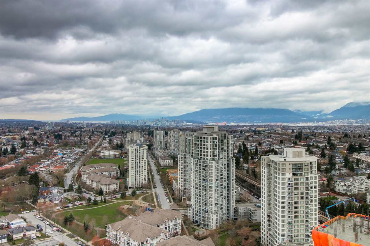 Condo Apartment at 3102 5665 BOUNDARY ROAD, Unit 3102, Vancouver East, British Columbia. Image 7