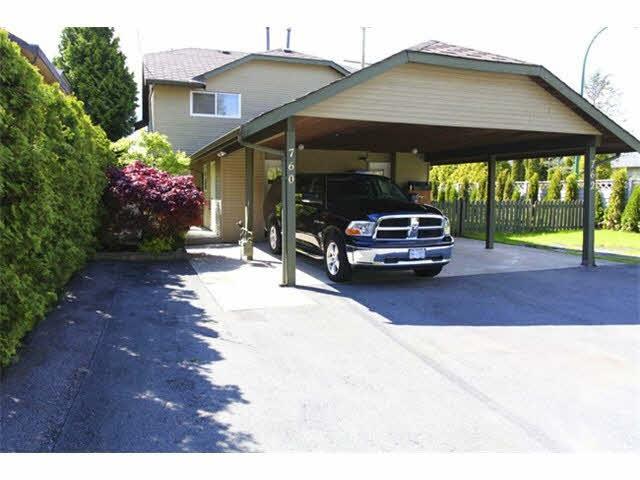 Half-duplex at 760 GATENSBURY STREET, Coquitlam, British Columbia. Image 1