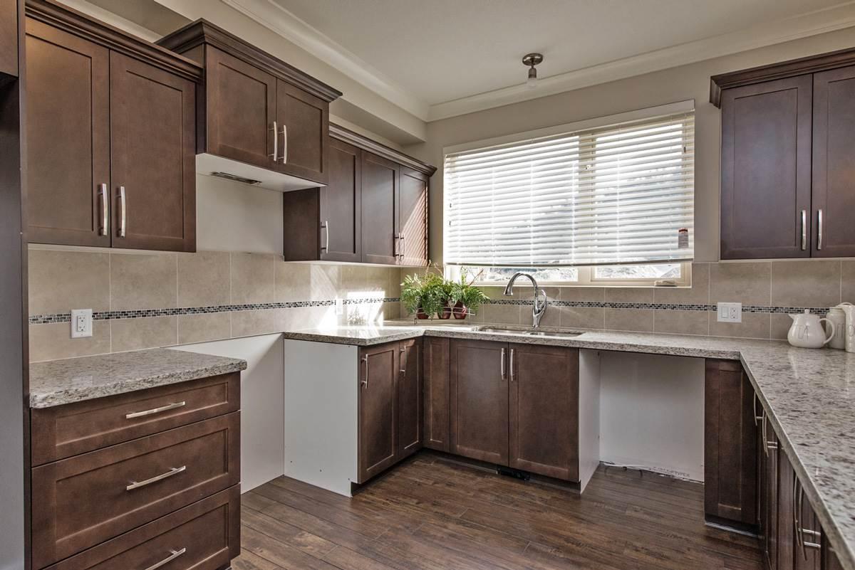 Condo Apartment at 110 45750-3 KEITH WILSON ROAD, Unit 110, Sardis, British Columbia. Image 11