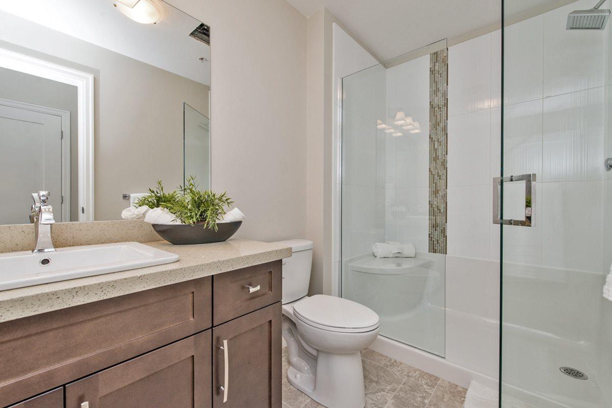 Condo Apartment at 110 45750-3 KEITH WILSON ROAD, Unit 110, Sardis, British Columbia. Image 12