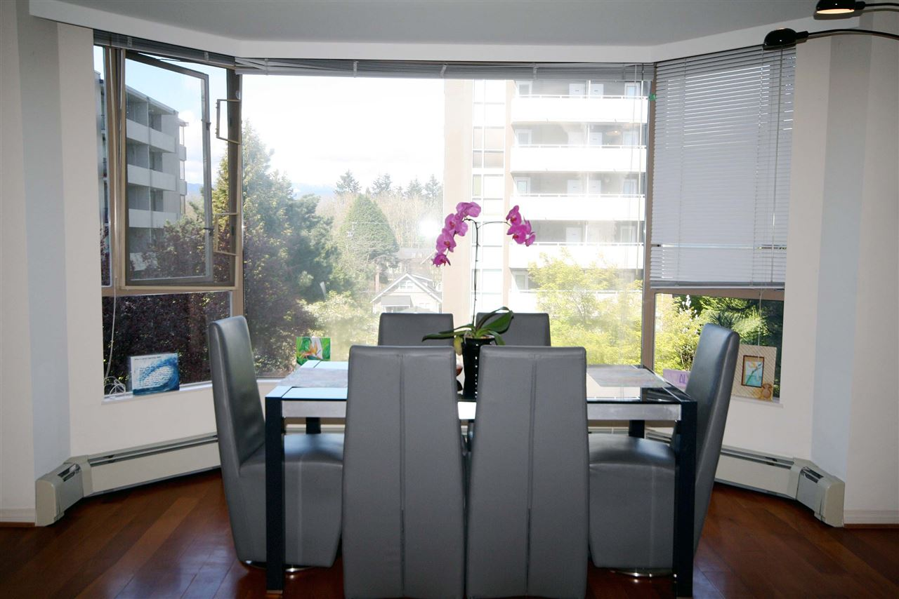 Condo Apartment at 402 2108 W 38TH AVENUE, Unit 402, Vancouver West, British Columbia. Image 3