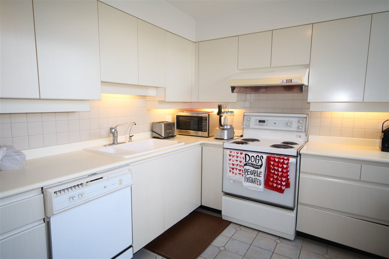 Condo Apartment at 402 2108 W 38TH AVENUE, Unit 402, Vancouver West, British Columbia. Image 4