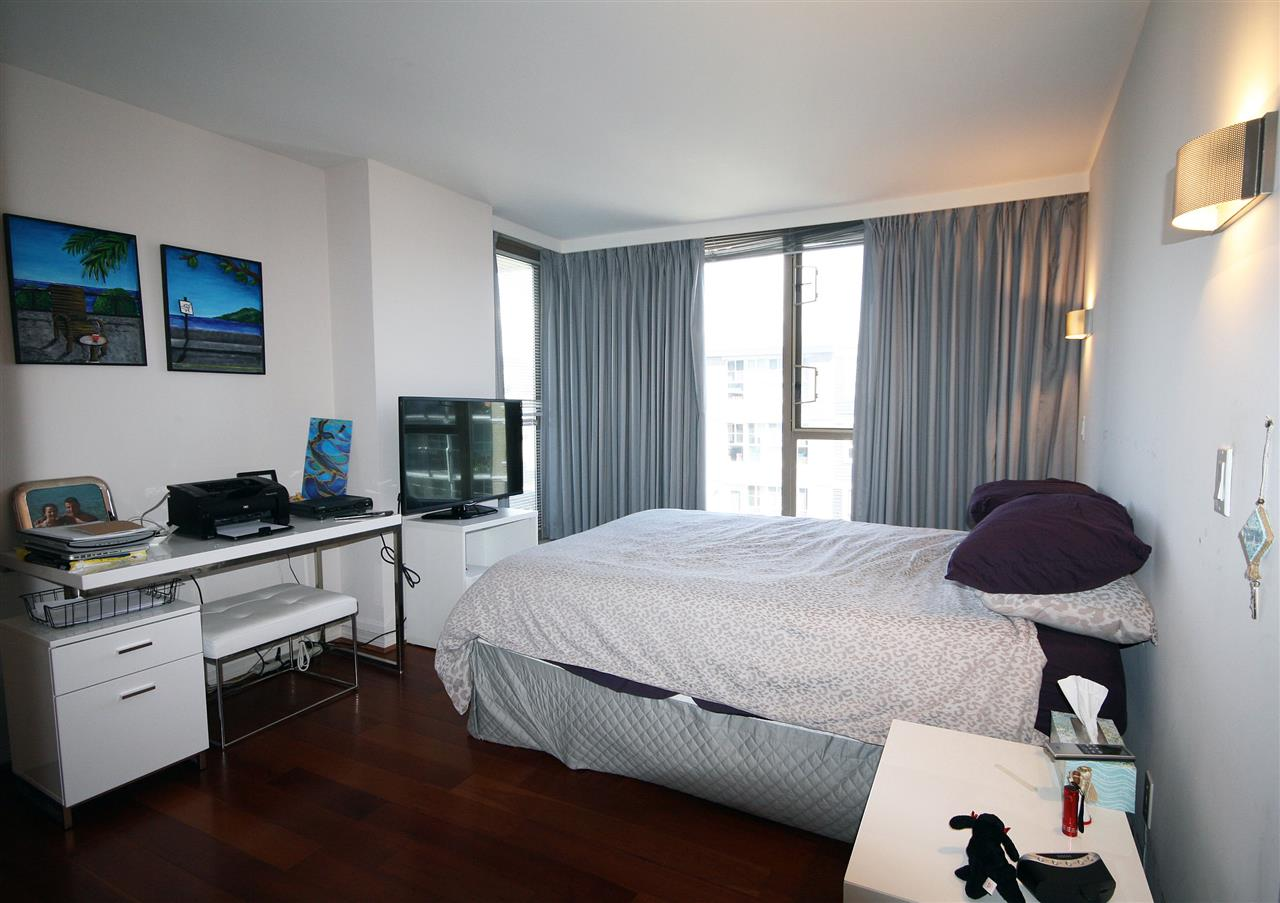 Condo Apartment at 402 2108 W 38TH AVENUE, Unit 402, Vancouver West, British Columbia. Image 5