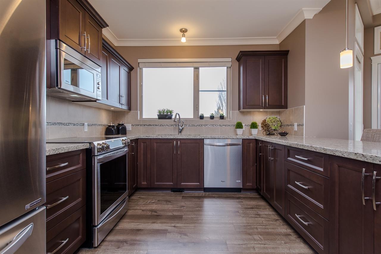 Condo Apartment at 107 45750-3 KEITH WILSON ROAD, Unit 107, Sardis, British Columbia. Image 4