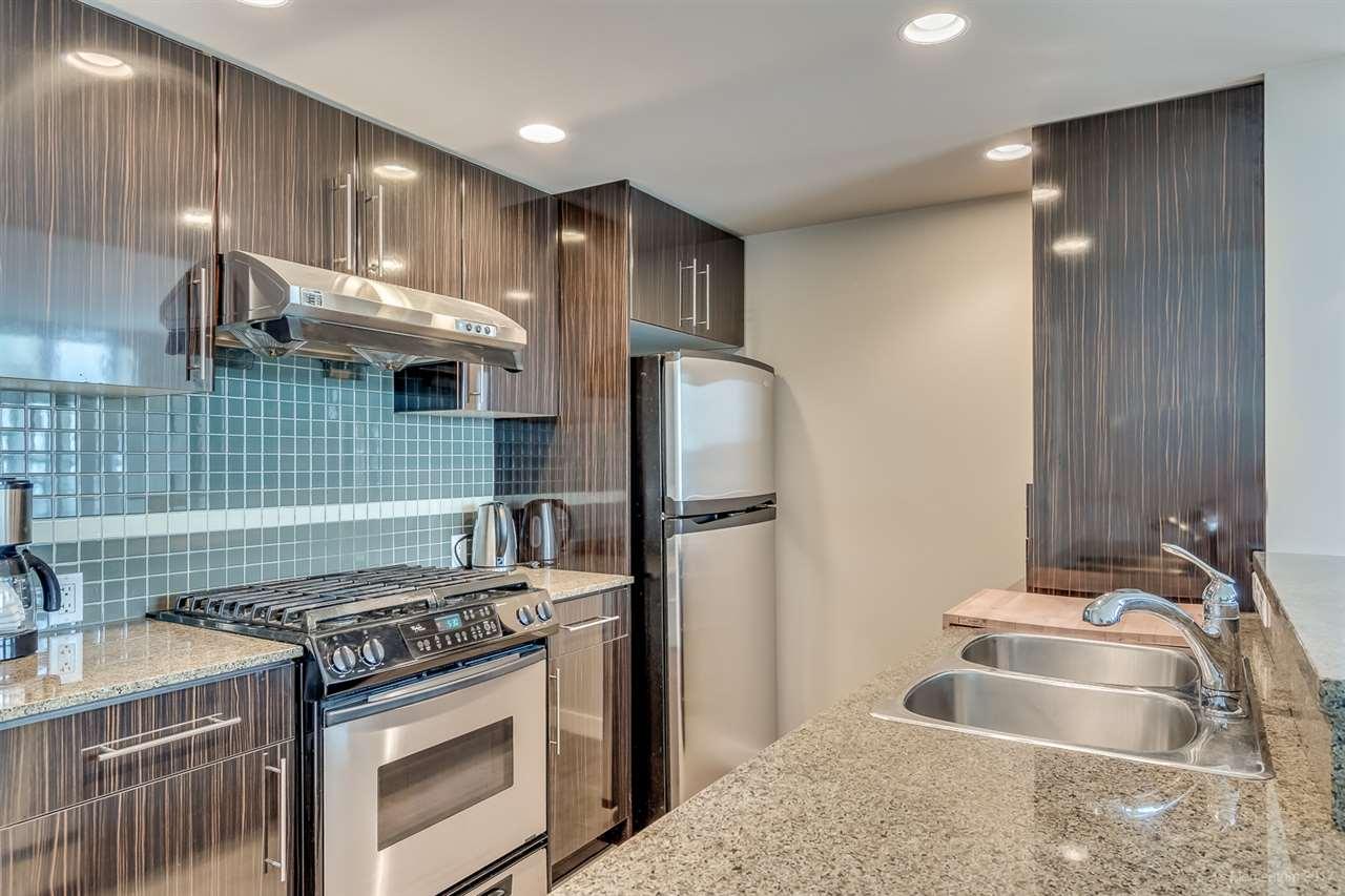 Condo Apartment at 2106 583 BEACH CRESCENT, Unit 2106, Vancouver West, British Columbia. Image 9