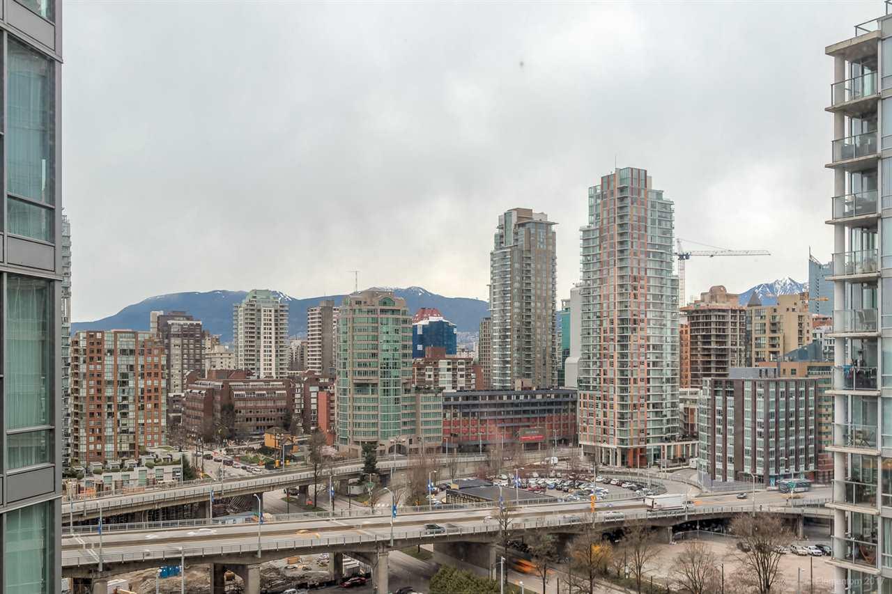 Condo Apartment at 2106 583 BEACH CRESCENT, Unit 2106, Vancouver West, British Columbia. Image 17