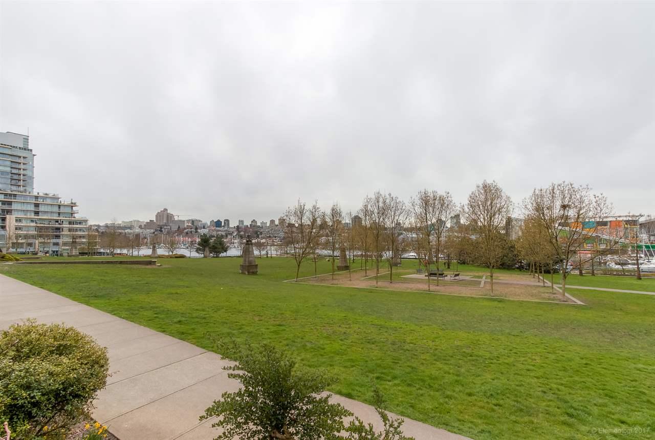 Condo Apartment at 2106 583 BEACH CRESCENT, Unit 2106, Vancouver West, British Columbia. Image 18