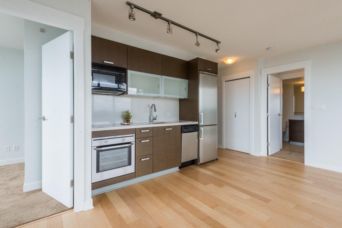 Condo Apartment at 1904 13380 108 AVENUE, Unit 1904, North Surrey, British Columbia. Image 7