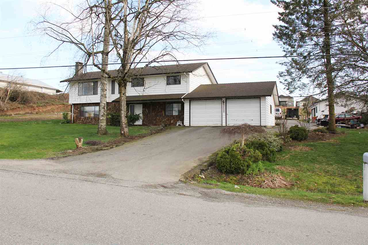 Detached at 30540 BROOKSIDE AVENUE, Abbotsford, British Columbia. Image 2