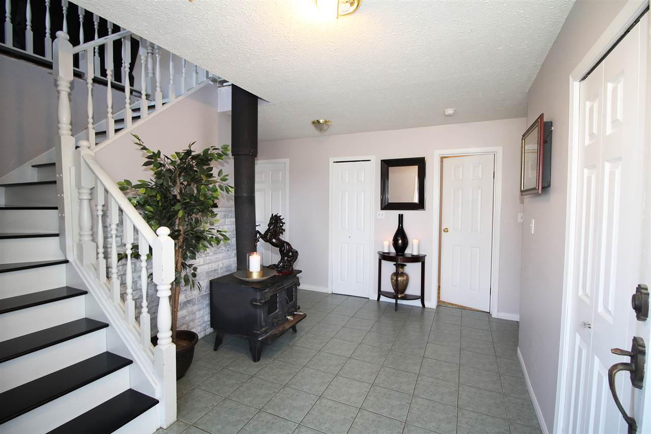 Detached at 30540 BROOKSIDE AVENUE, Abbotsford, British Columbia. Image 3