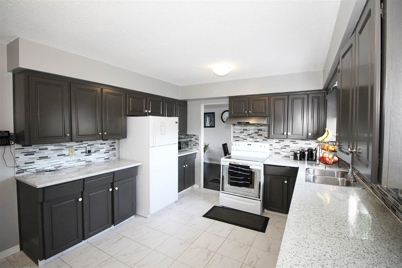 Detached at 30540 BROOKSIDE AVENUE, Abbotsford, British Columbia. Image 8