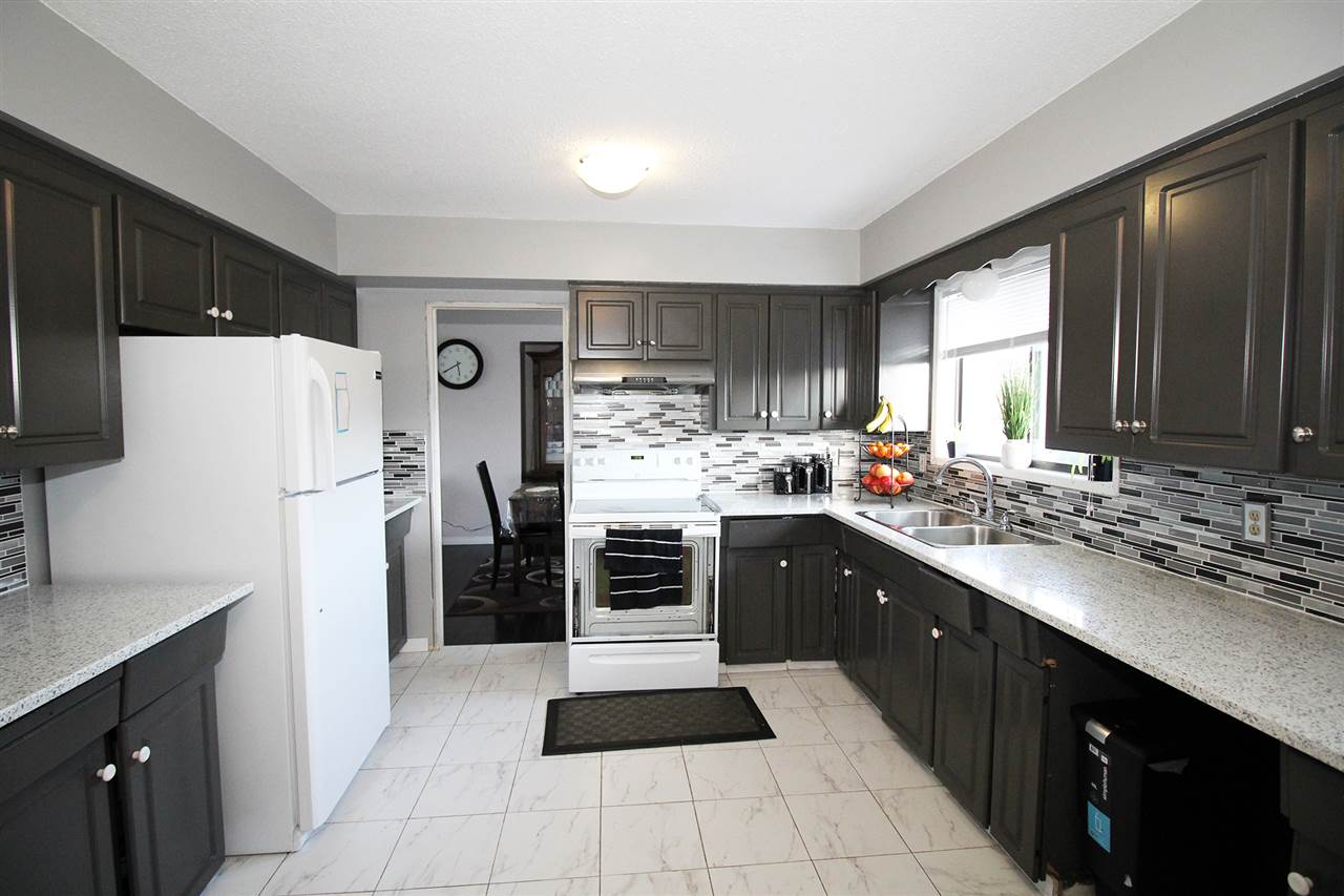 Detached at 30540 BROOKSIDE AVENUE, Abbotsford, British Columbia. Image 9
