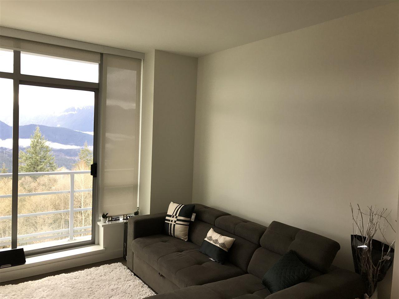Condo Apartment at 807 9060 UNIVERSITY CRESCENT, Unit 807, Burnaby North, British Columbia. Image 6