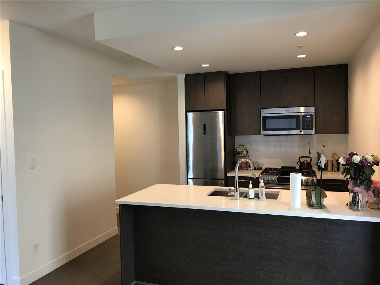 Condo Apartment at 807 9060 UNIVERSITY CRESCENT, Unit 807, Burnaby North, British Columbia. Image 15