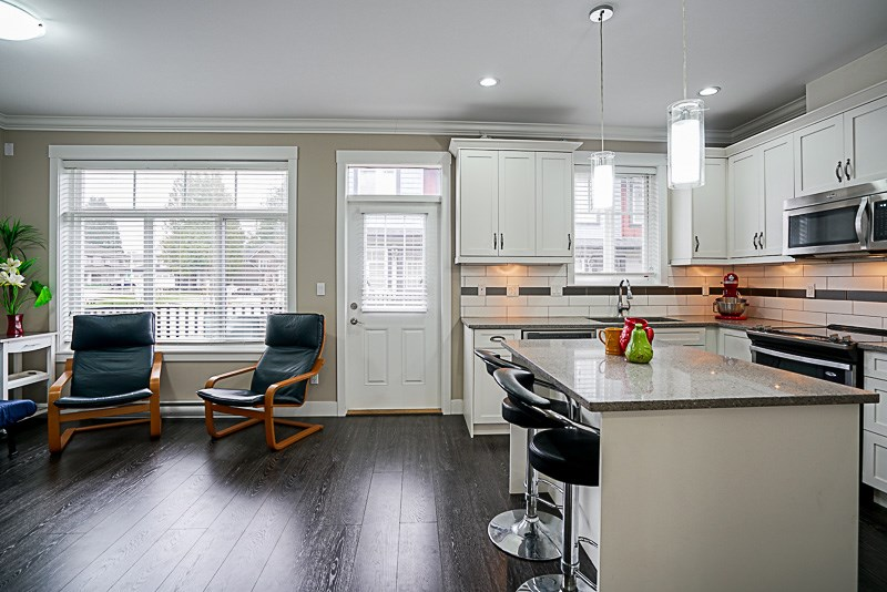 Townhouse at 13 6929 142 STREET, Unit 13, Surrey, British Columbia. Image 3