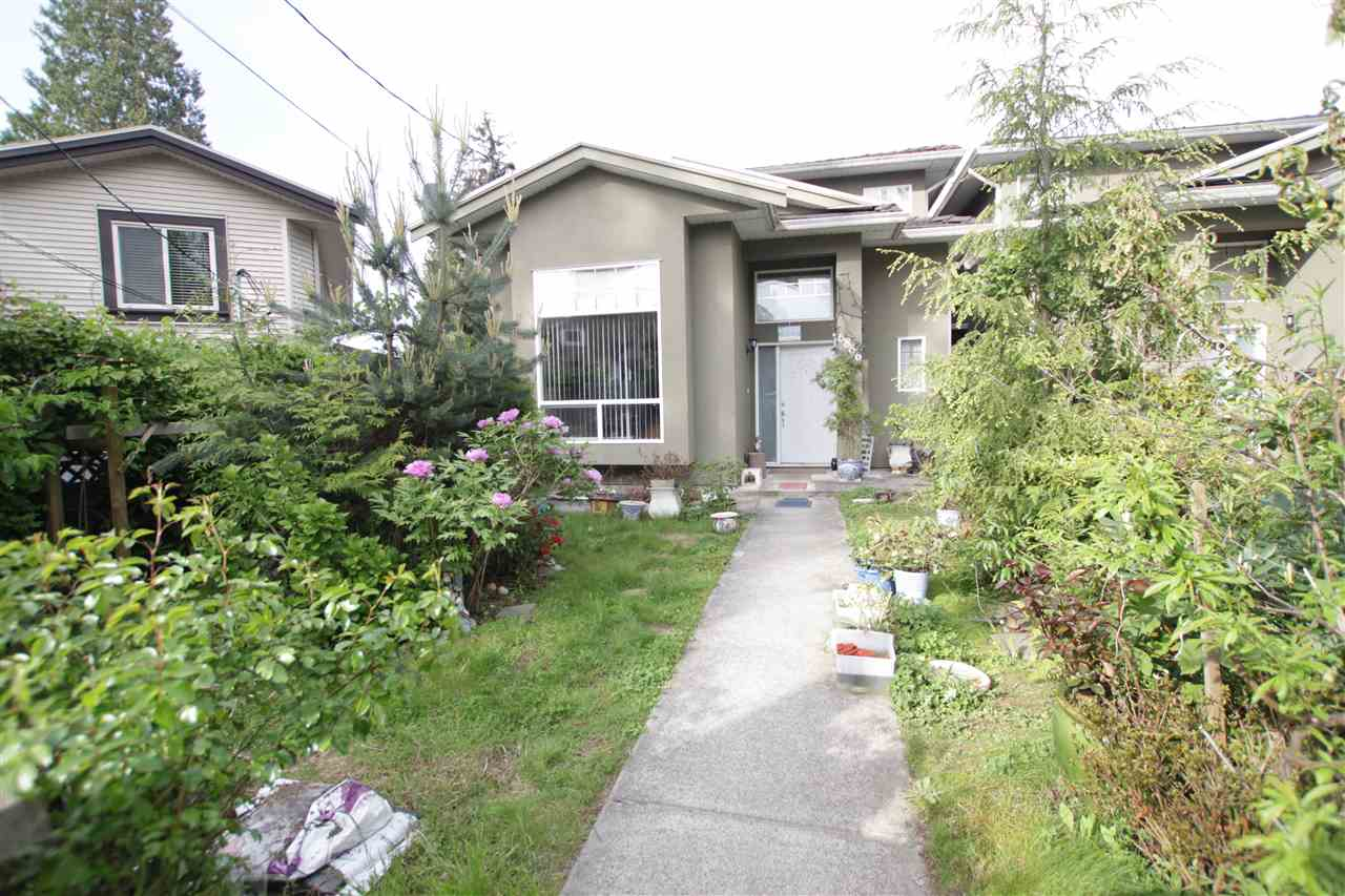 Half-duplex at 6866 KOALA COURT, Burnaby South, British Columbia. Image 1