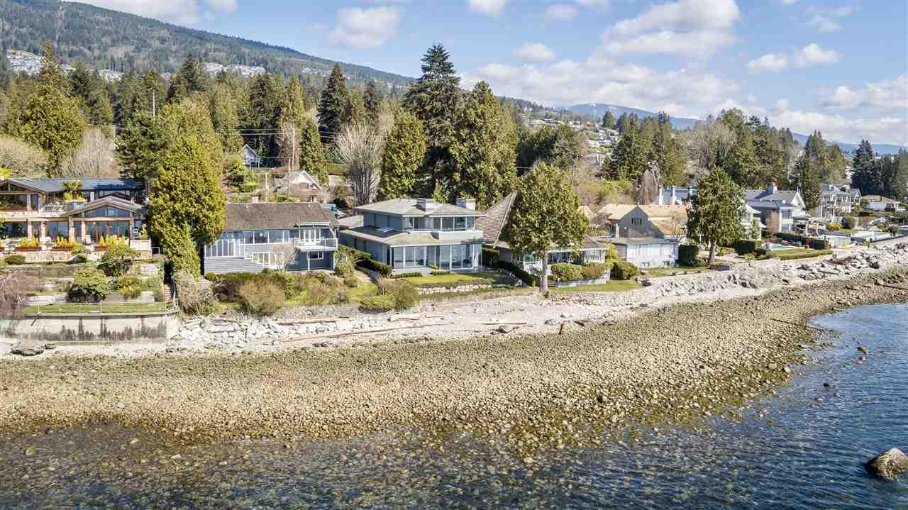 Detached at 2878 BELLEVUE AVENUE, West Vancouver, British Columbia. Image 2