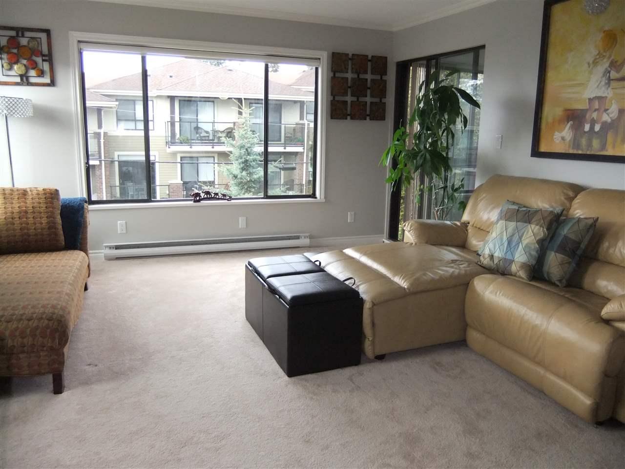 Condo Apartment at 211 1355 WINTER STREET, Unit 211, South Surrey White Rock, British Columbia. Image 3