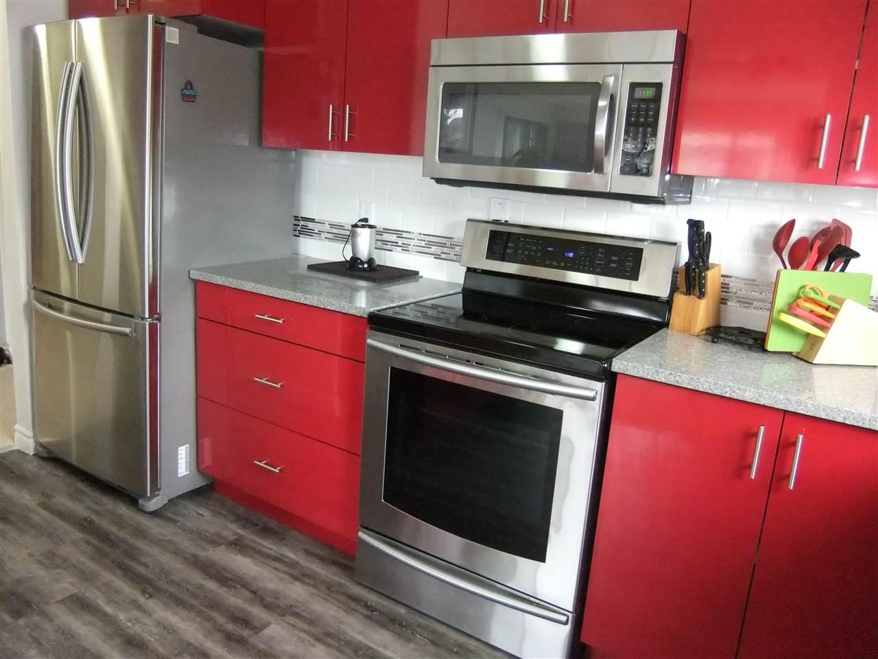 Condo Apartment at 211 1355 WINTER STREET, Unit 211, South Surrey White Rock, British Columbia. Image 5