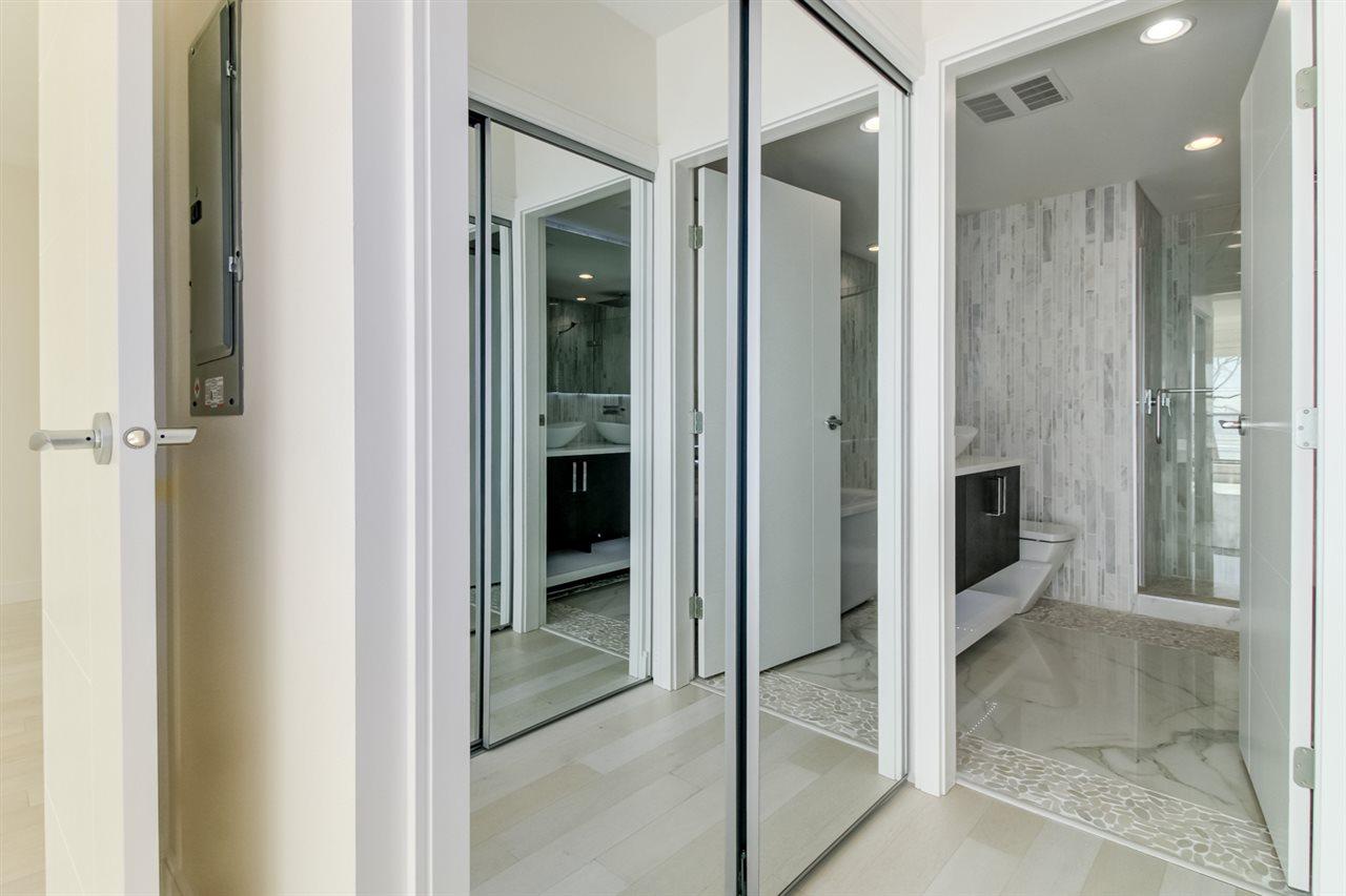 Condo Apartment at 202 15581 MARINE DRIVE, Unit 202, South Surrey White Rock, British Columbia. Image 13