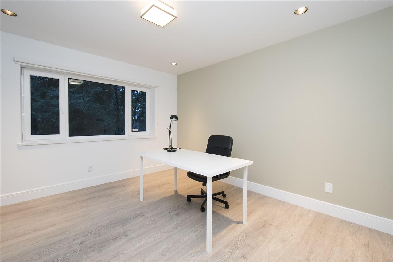Half-duplex at 970 DUCHESS AVENUE, West Vancouver, British Columbia. Image 12