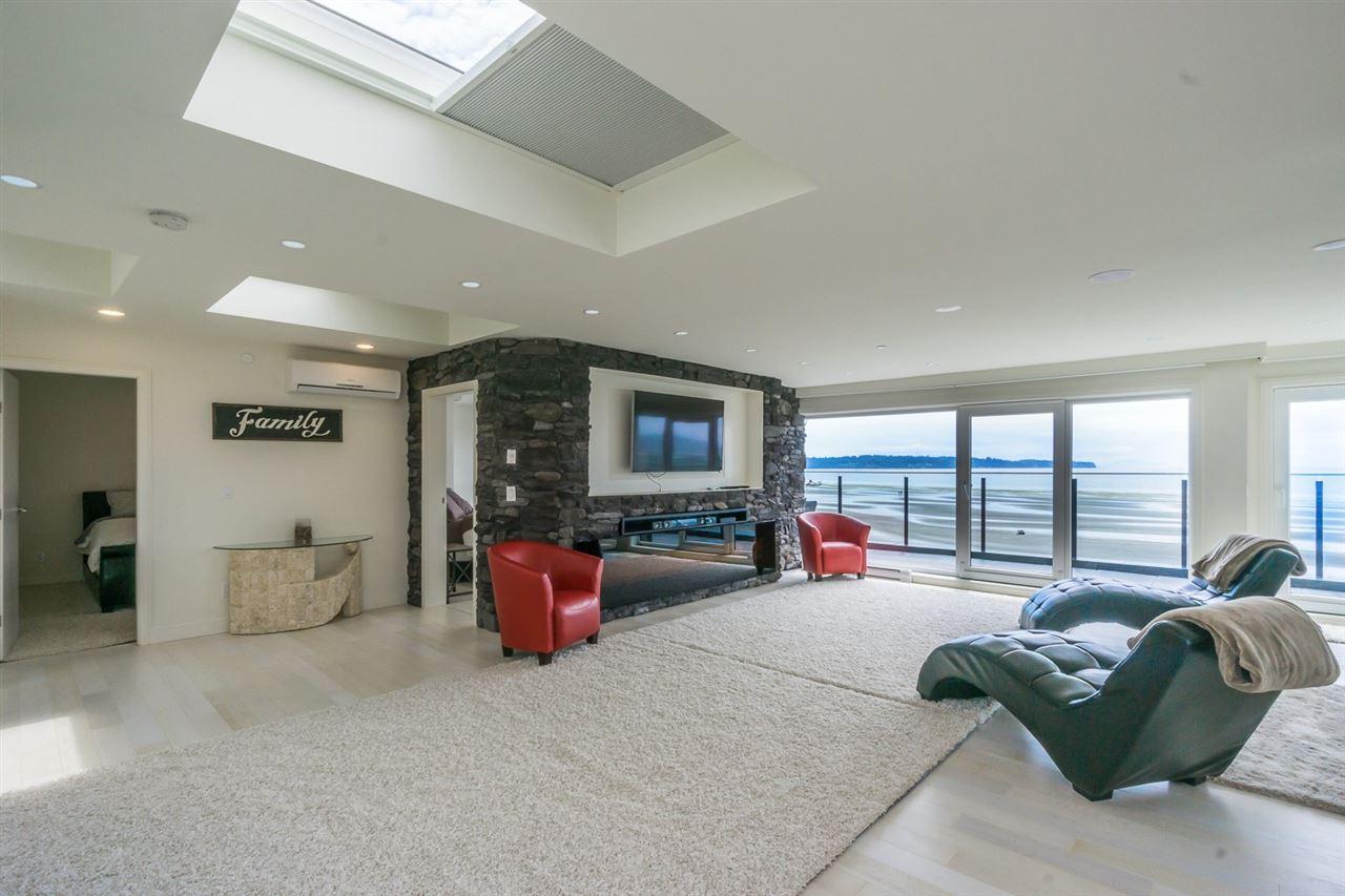 Condo Apartment at PH 15581 MARINE DRIVE, Unit PH, South Surrey White Rock, British Columbia. Image 5
