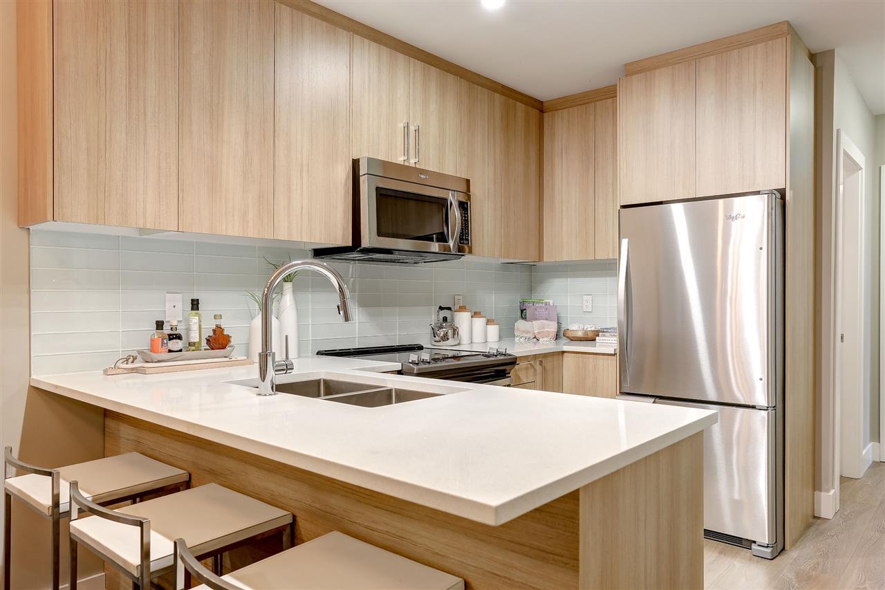 Condo Apartment at 414 12460 191 STREET, Unit 414, Pitt Meadows, British Columbia. Image 3
