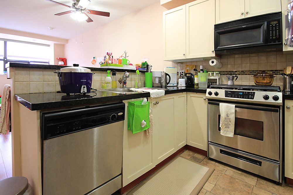 Condo Apartment at 613 615 BELMONT STREET, Unit 613, New Westminster, British Columbia. Image 10