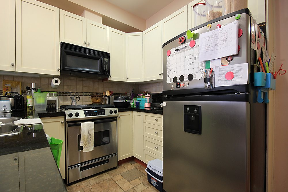 Condo Apartment at 613 615 BELMONT STREET, Unit 613, New Westminster, British Columbia. Image 11