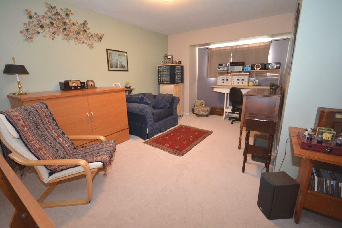 Half-duplex at 4563 KING EDWARD PLACE, Ladner, British Columbia. Image 14