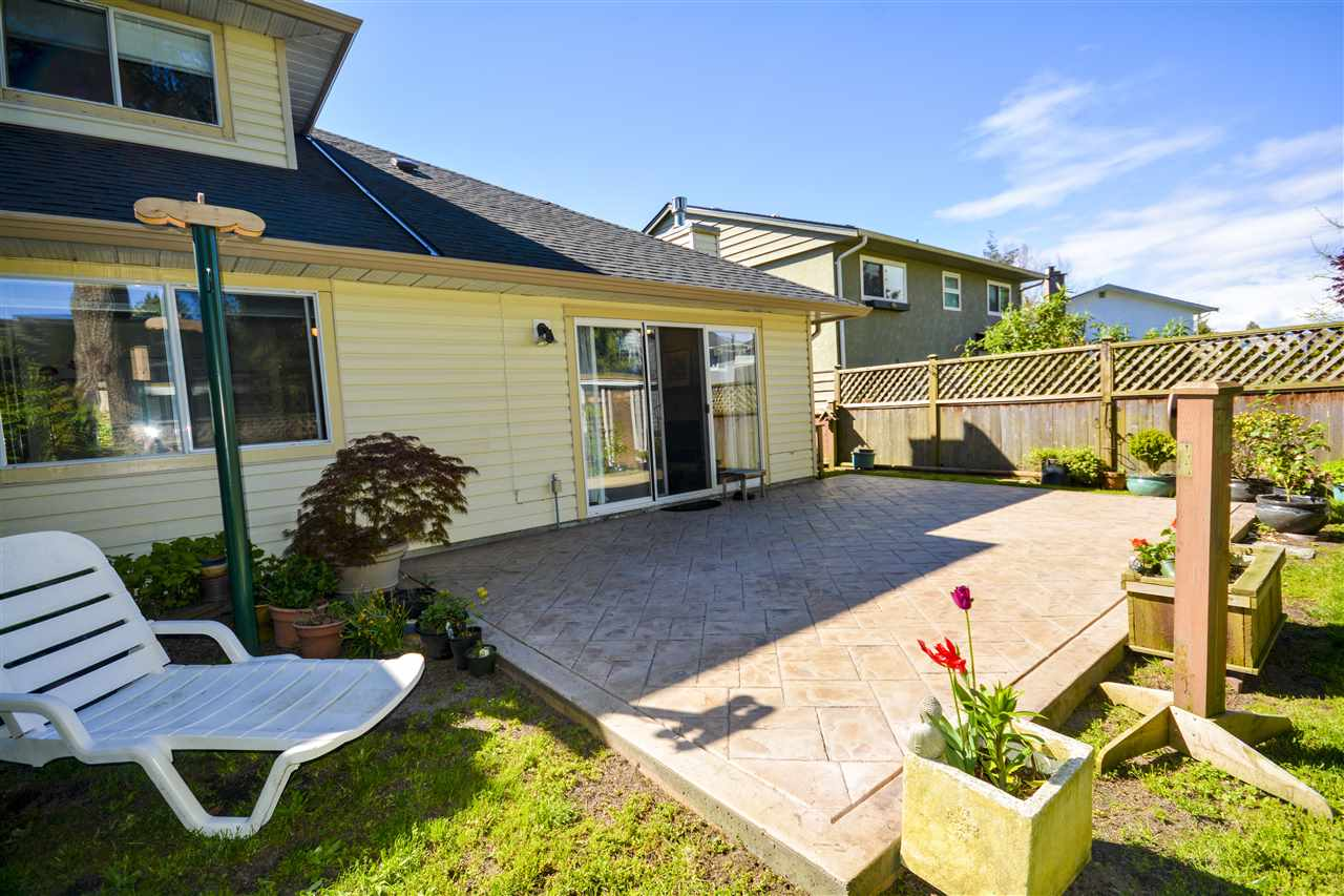 Half-duplex at 4563 KING EDWARD PLACE, Ladner, British Columbia. Image 17