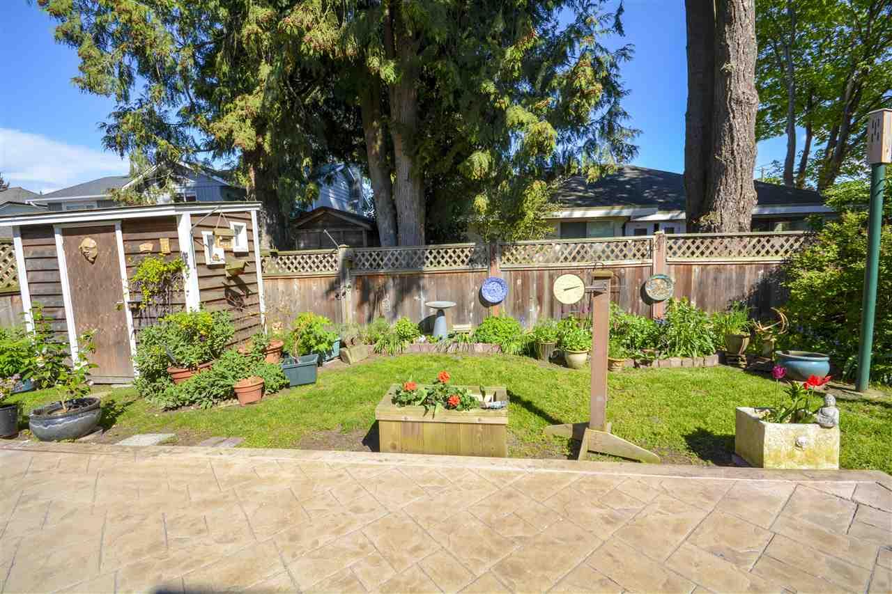 Half-duplex at 4563 KING EDWARD PLACE, Ladner, British Columbia. Image 18