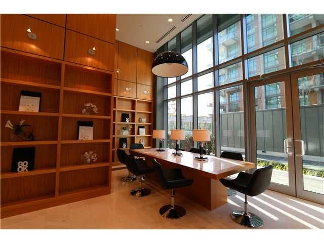 Condo Apartment at PH1 5728 BERTON AVENUE, Unit PH1, Vancouver West, British Columbia. Image 3