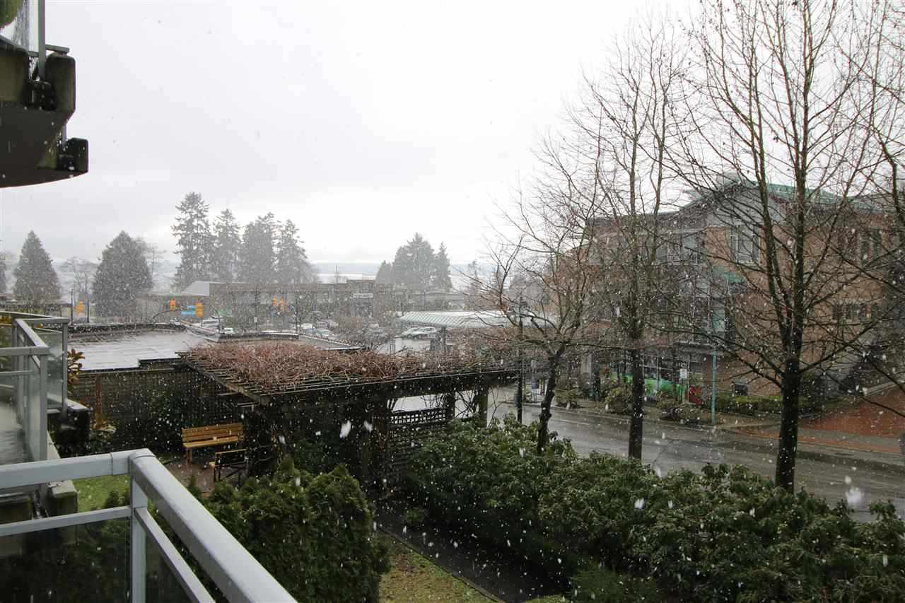 Condo Apartment at 202 588 16TH STREET, Unit 202, West Vancouver, British Columbia. Image 1
